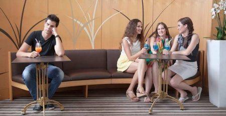 single guy near hot girls in caffee